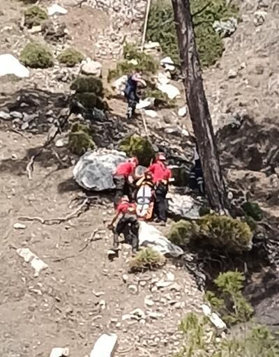 Kayalıklardan düştü! 4 saatte kurtarıldı
