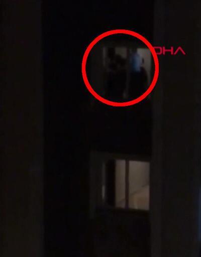 Pencereye çıkıp yardım isteyen kişiyi polis kurtardı
