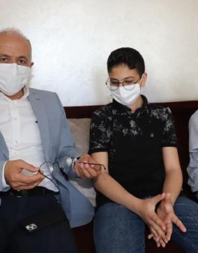 Gözlüğü kırılan öğrenciye Başkan Gültak'tan destek
