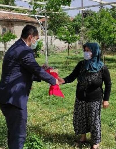 Kaymakam Akça, şehit eşlerinin 'Anneler Günü'nü kutladı