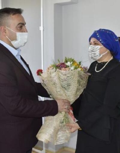 Biga Belediye Başkanı Erdoğan'dan annelere ziyaret