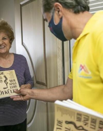 65 yaş üstü vatandaşlara kitap sürprizi