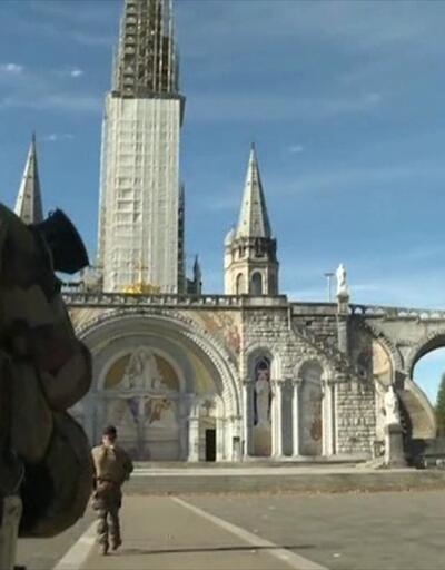 Fransa'da darbe imalı bildiriler