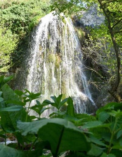 Dağların arasında bir doğa harikası