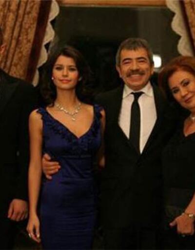 Aşk-ı Memnu dizisinin hiç görülmemiş fotoğrafı 11 yıl sonra paylaşıldı