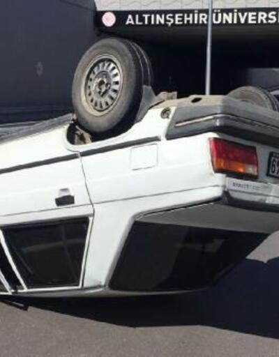 Takla atan otomobil sürücüsü yaralandı