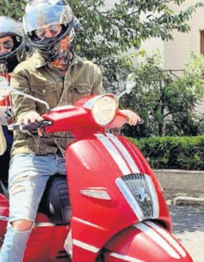 Burcu Biricik motosikletle veterinere gitti