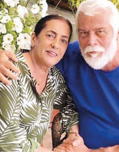 Tamer Yiğit'ten romantik kutlama