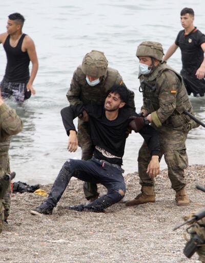Fas - İspanya krizi büyüyor: Binlerce kişi sınıra akın etti
