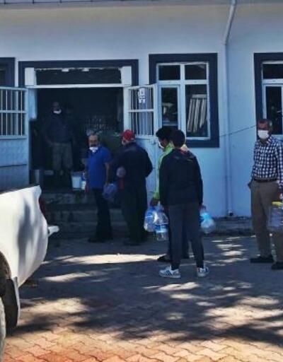 Gelibolu'da 2 bin 200 litre süt ücretsiz dağıtıldı