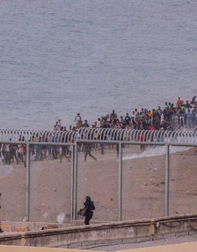 Fas'tan İspanya'ya göçmen akını sürüyor: Küçük bebek böyle kurtarıldı