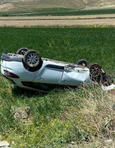 Gemerek'te otomobil devrildi: 3 yaralı