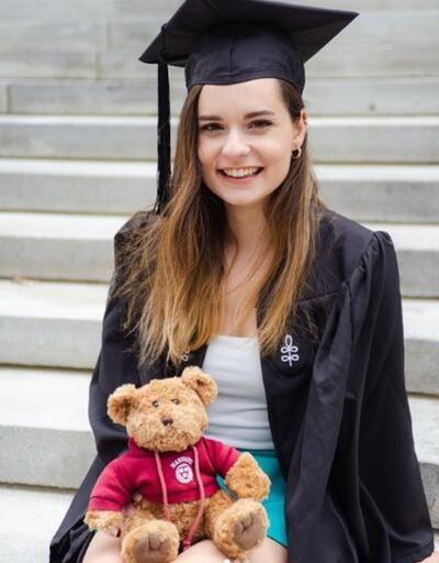 Ece Hakim, Harvard Üniversitesi'nden mezun oldu