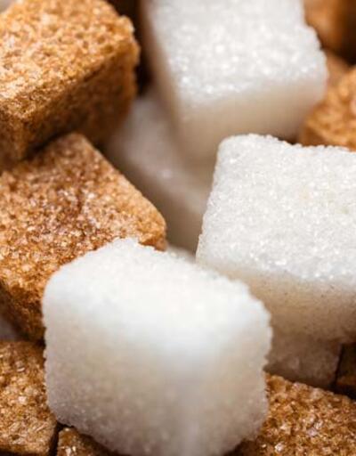 Şeker ne zaman tehlikeye dönüşüyor? Uzmanı alınması gereken günlük şeker miktarını açıkladı