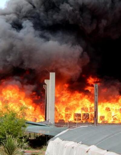 Adana'da plastik atık geri dönüşüm fabrikasında yangın