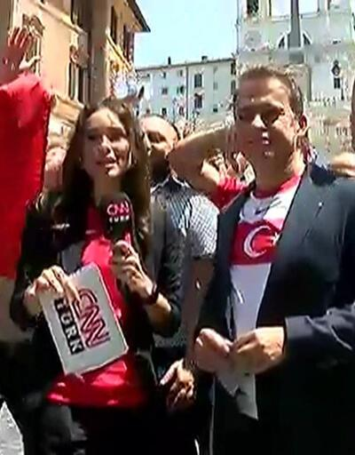 A Milli Futbol Takımı'a Roma sokaklarında destek büyük