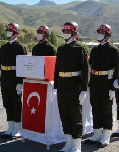 Şehit asker için Hakkari'de uğurlama töreni