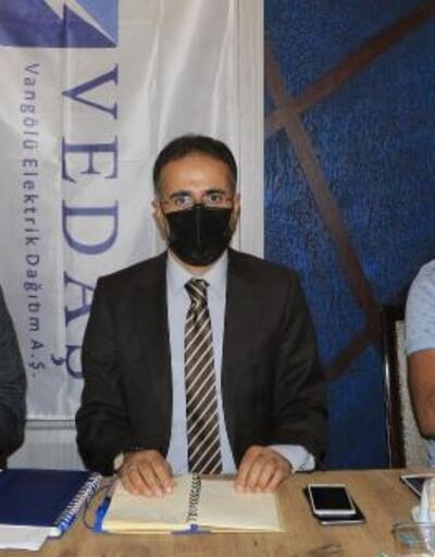 VEDAŞ Müdürü, Yüksekova'da mahalle muhtarlarıyla toplantı yaptı