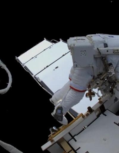 Astronotların 6 saatlik uzay yürüyüşü