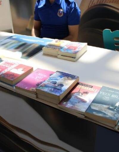 Highway'de açılan kitap bağış standına binlerce kitap bağışlandı