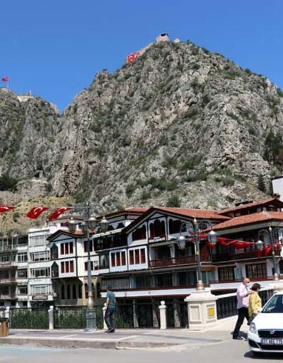 Tarih kokan otantik sokaklarıyla 'şehzadeler şehri' Amasya ziyaretçilerini bekliyor