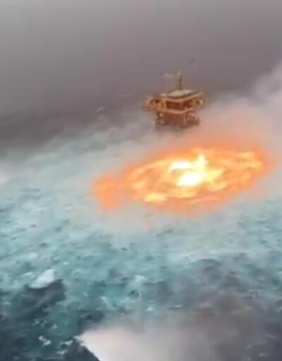 Okyanusun ortasında yangın!