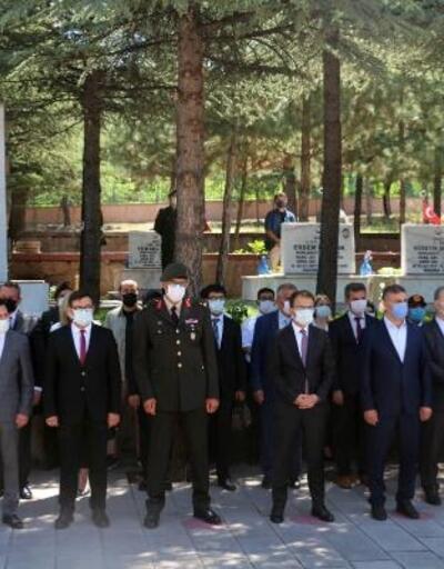 Çankırı'da şehitler mezarları başında anıldı