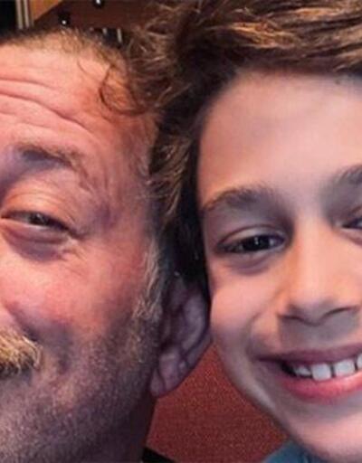 Cem Yılmaz ve oğlu Kemal'den bayram kutlaması