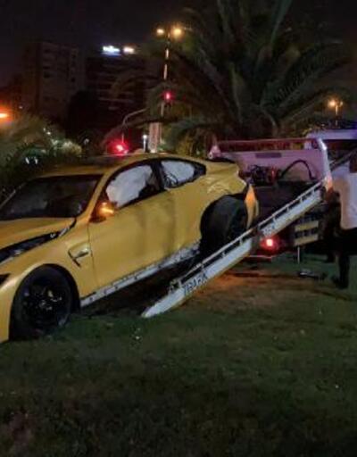Caddebostan Sahili'nde lüks otomobiliyle kaza yapan sürücü kaçtı