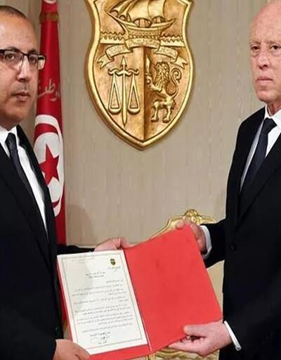 Tunus'ta Başbakan Meşişi görevden alındı