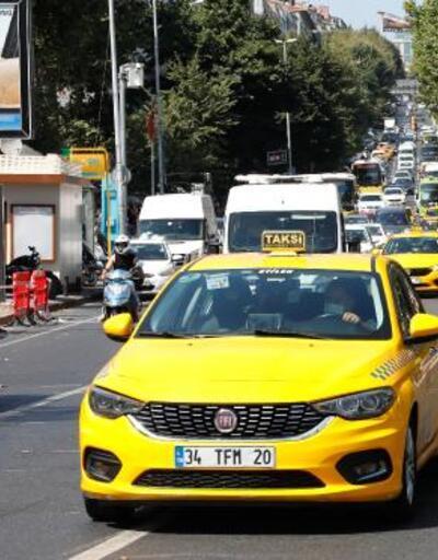 Taksiciler ve yolcular arasında 'ücretli yol' tartışması