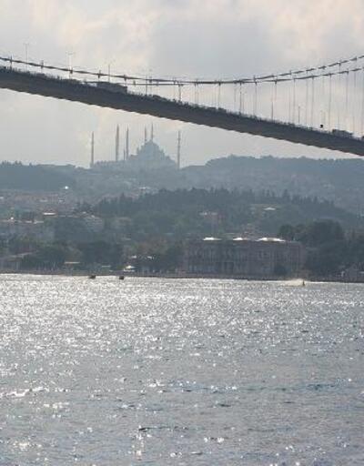 İstanbul Boğaz'ında ilk; Motokros efsanesi Boğaz'ı su üstünde geçti