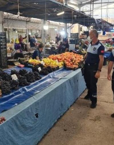 Vaka sayılarının arttığı Akyazı'da pazar yerlerinde yoğunluk