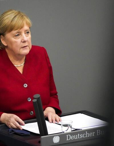 Görevi bırakmaya hazırlanan Merkel ne kadar emekli maaşı alacak?
