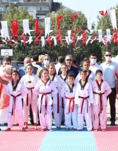 Çocuklar ve gençler birbirinden renkli etkinliklerle spora doydu