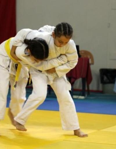 Çankırı'da 2'nci Ahmet İnceçubuk İller Arası Judo Turnuvası