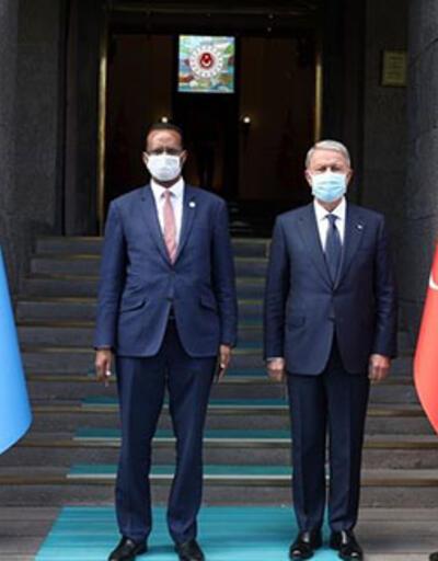 Bakan Akar, Somalili mevkidaşıyla bir araya geldi