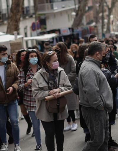 İspanya'da Kovid-19'dan son 3 günde 103 kişi hayatını kaybetti
