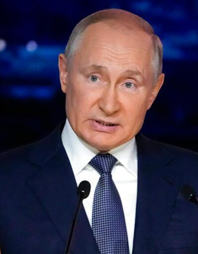 Son dakika... Yakın çevresinde görülen COVID-19 vakaları sonrası Putin karantinada