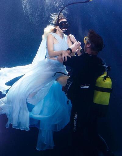 Hadiseyeni klibi için su altında kamera karşısına geçti