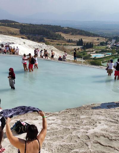 'Beyaz cennet' Pamukkale'ye sonbaharda da yoğun ilgi