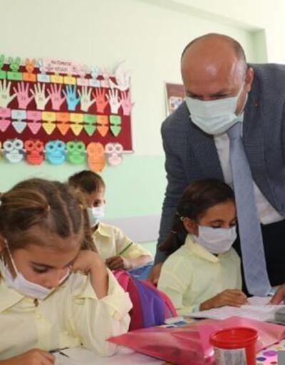 Sur Kaymakamı Çiftçi, öğrencileri pandemi kuralları konusunda uyardı