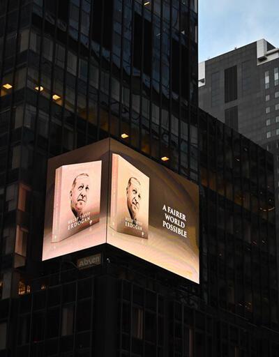 Times Meydanı'nda Erdoğan'ın kitabı tanıtıldı