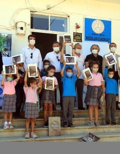 Muğla'da yangın mağduru 200 çocuğa tablet desteği