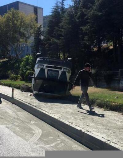 Kaldırımda yürürken kamyonet çarptı