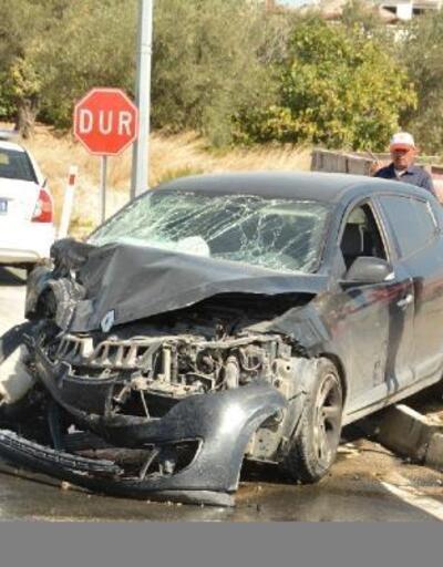 Altınözü'nde trafik kazası: 4 yaralı