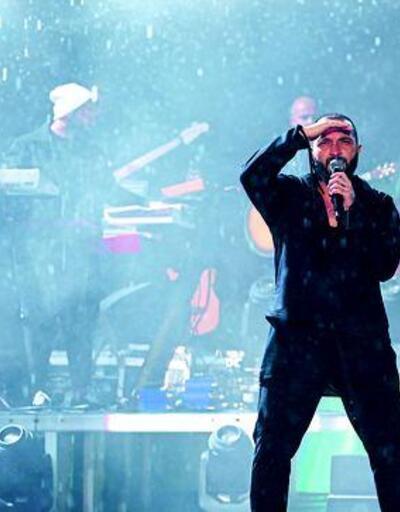 Yağmur altında muhteşem konser