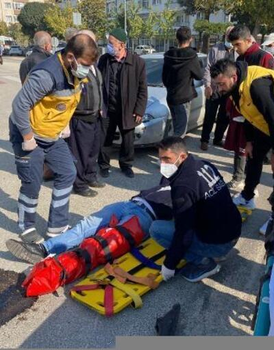 İnegöl'de, otomobil ile çarpışan motosiklet sürücüsü yaralandı