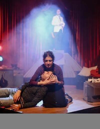 """Nilüfer Kent Tiyatrosu, """"Kuş Öpücüğü"""" ile sahneye çıktı"""