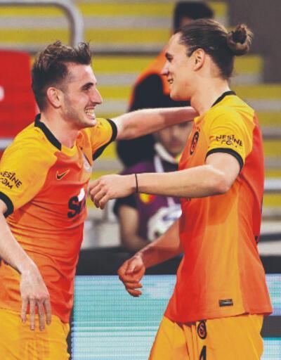 Son dakika... Galatasaray'da iki imza birden!